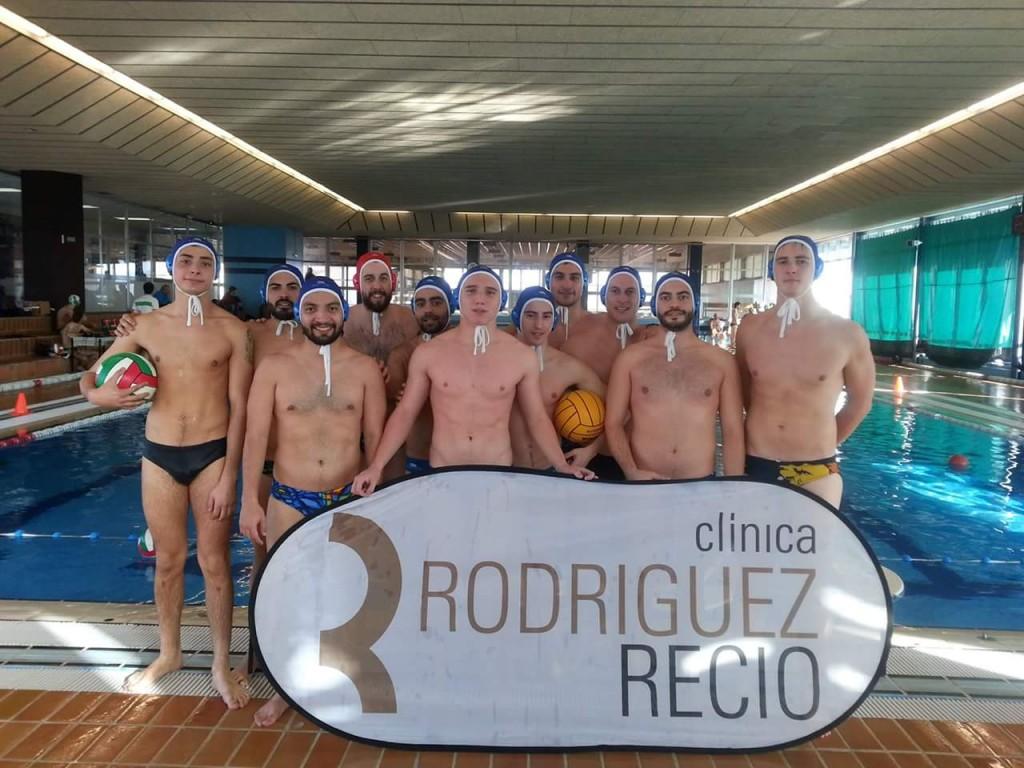 La plantilla del Ciudad de Oviedo antes de un partido de esta temporada / P.H.