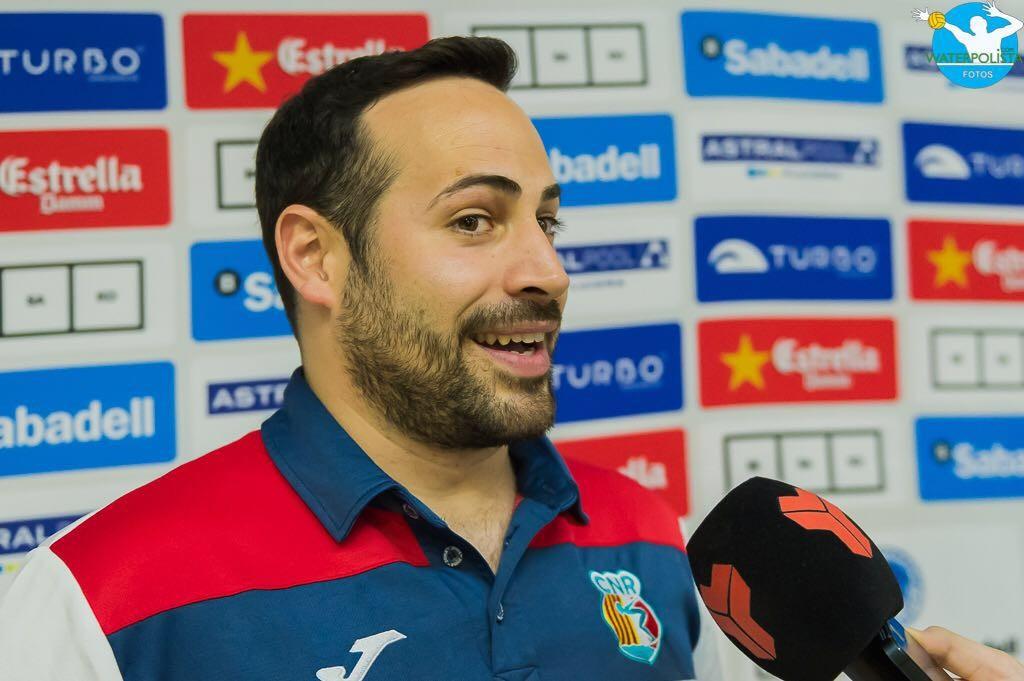 El entrenador del Rubí durante una entrevista en la Copa / ATELIER PHOTO