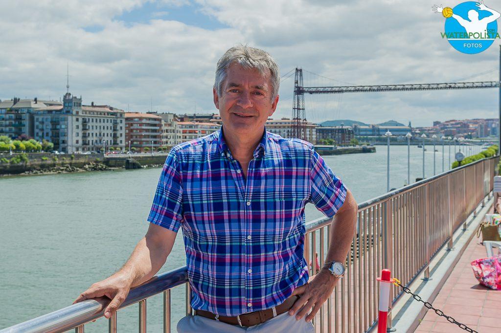 El presidente de la RFEN posó para WATERPOLISTA.com en Portugalete / ATELIER PHOTO