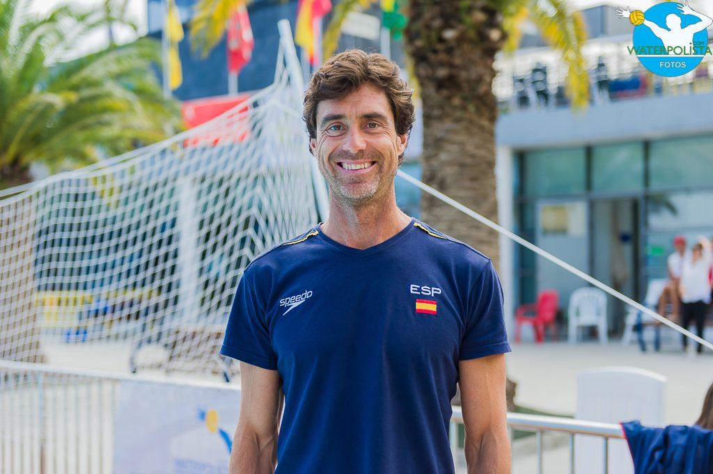 El seleccionador nacional, Miki Oca posó para WATERPOLISTA.com en Portugalete / ATELIER PHOTO