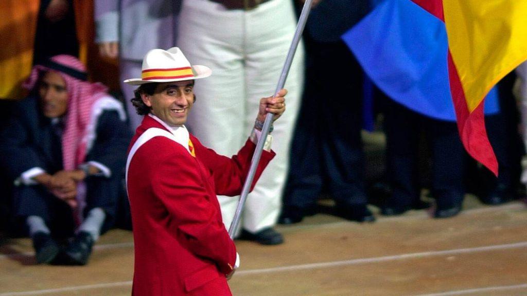 Manel Estiarte durante la ceremonia de apertura de los Juegos Olímpicos de Sidney 2000 / RTVE
