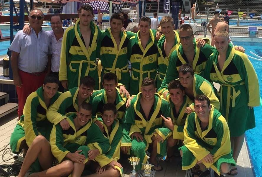 El Navarra después de ganar el Campeonato Juvenil de Segunda Categoría / V.K.
