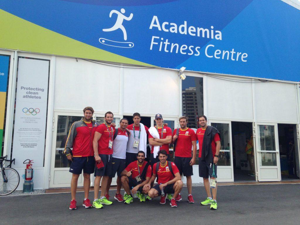 Una parte de la selección española después de entrenarse en el gimnasio de la Villa / I.A.
