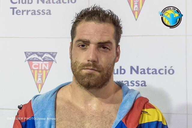 El internacional español atendió en zona mixta a WATERPOLISTA.com / JOSEP ARNAU (ATELIER PHOTO)