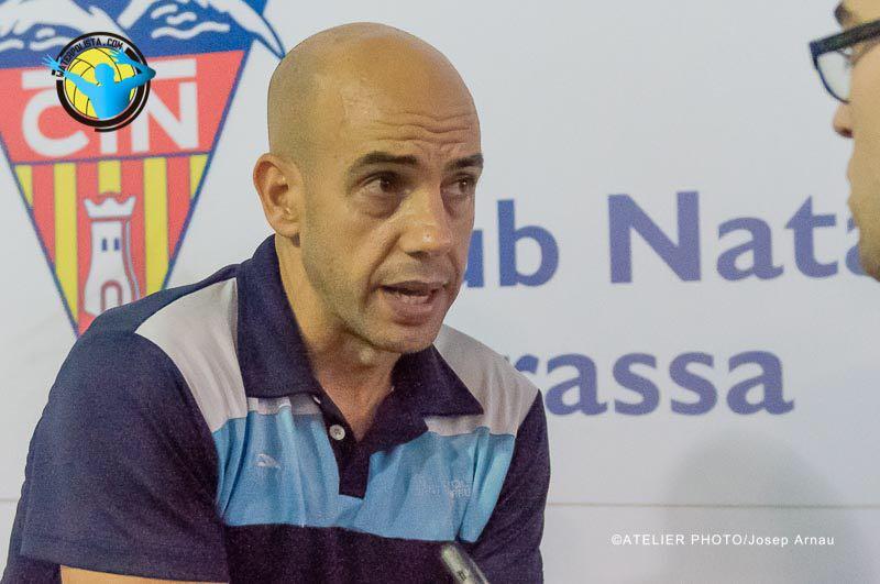 El entrenador del CNSA atendió a WATERPOLISTA.com tras caer ante el Sabadell / JOSEP ARNAU (ATELIER PHOTO)